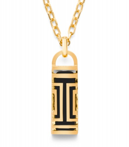 Tory Burch Necklace © Fitbit
