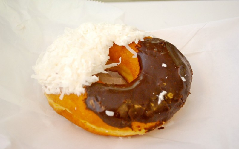 A Black & White from Peter Pan Donuts & Pastry Shop, New York City © Kristine Paulus | Flickr