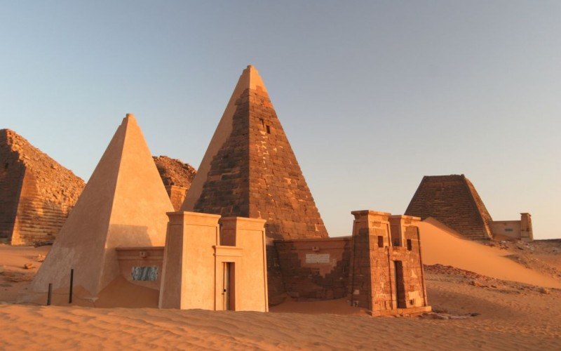 Meroe, Sudan, The Pyramids of Nubia © Uros Ravbar | Dreamstime 5232988