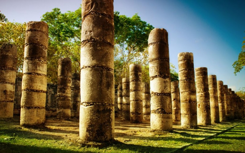 The Temple of a Thousand Warriors at Chichen Itza, Mexico © Subbotina   Dreamstime 24814439