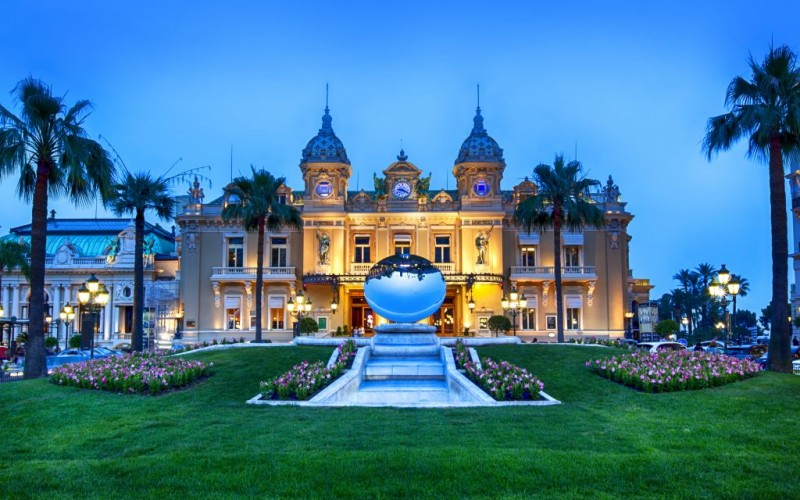 The Grand Casino of Monte Carlo, Monaco © Robyn Mackenzie | Dreamstime 42694592