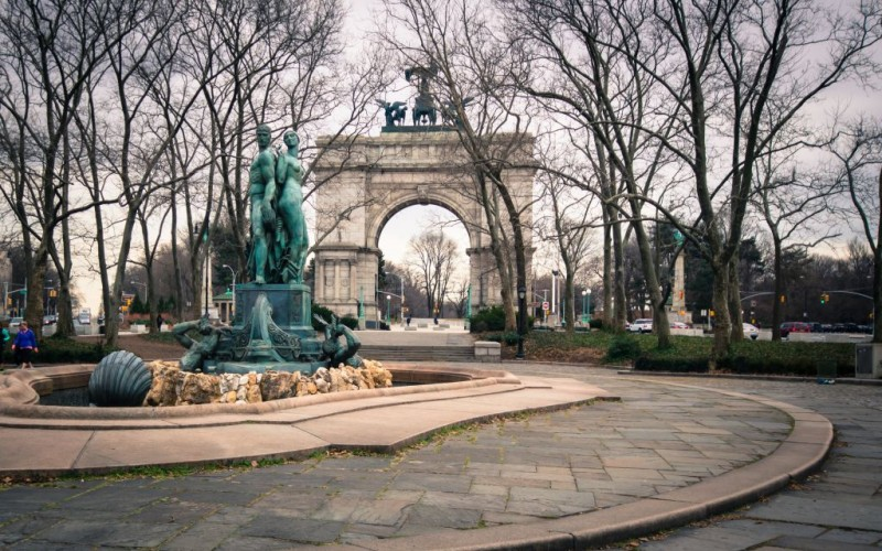 The Soldiers and Sailors Memorial Arch at Grand Army Plaza in Prospect Park, New York City © Littleny   Dreamstime 49211761