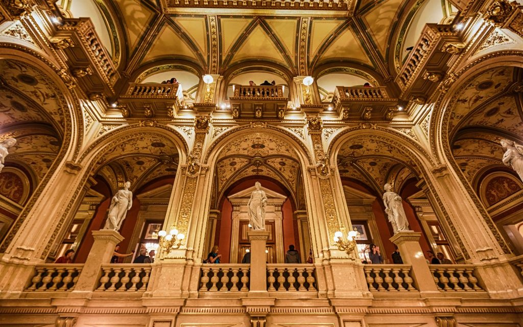 The Vienna Staatsoper, the State Opera House of Austria © Castenoid | Dreamstime 48896944