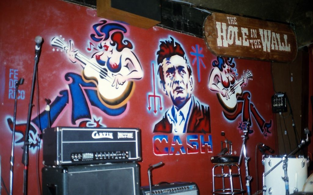 Hole in the Wall, Austin, Texas © Bekah Cope   Flickr