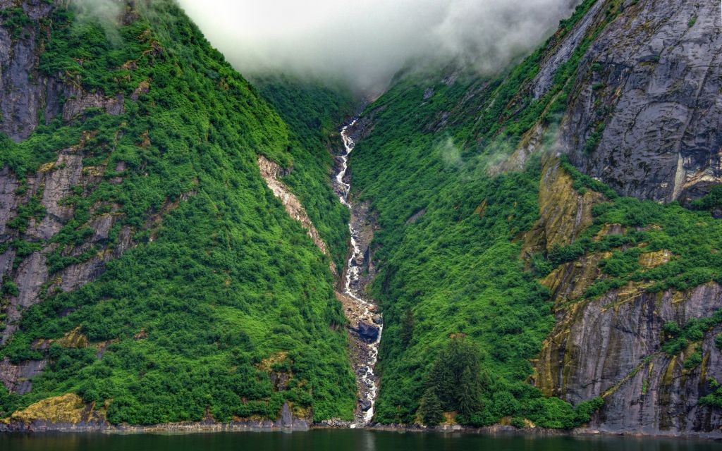 Tracy's Arm Fjord, Tongass National Forest, Alaska © Jmlevi2 | Dreamstime 57969010